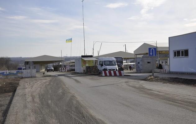 Оккупанты заблокировали работу КПВВ «Новотроицкое»