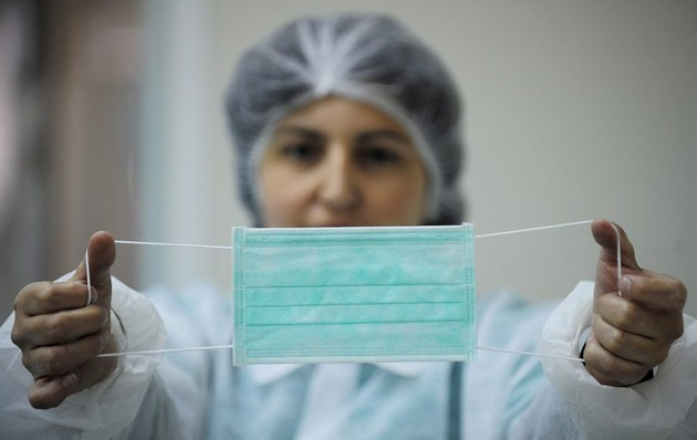 Минприроды: «Перед утилизацией маски и перчатки нужно выдержать в пакете 72 часа»
