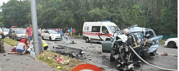 В ДТП под Киевом погибли двое взрослых и двое детей