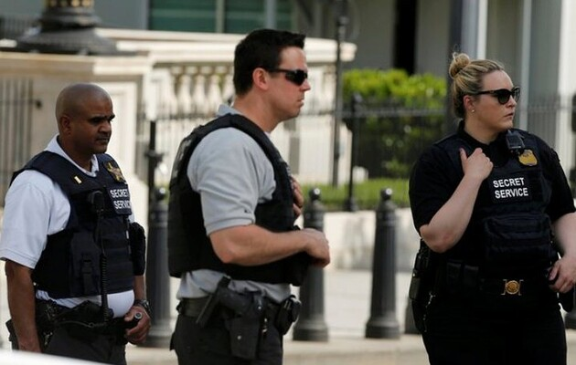 Стрелка у Белого дома серьезно ранили, но на месте происшествия его оружие не нашли