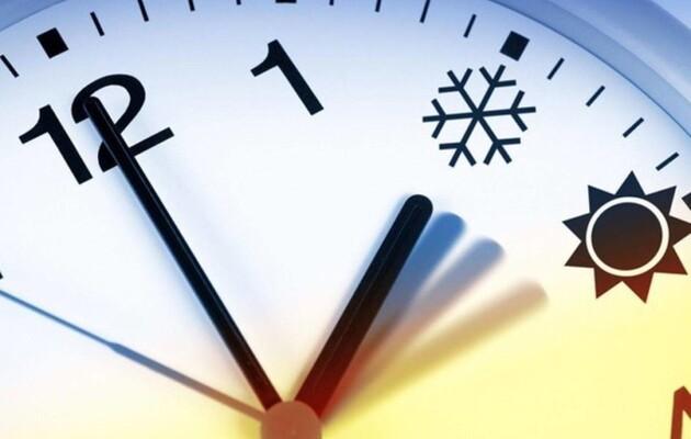 В Украине переводят часы на зимнее время - новости украины