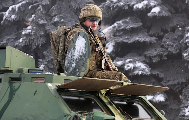 ВСУ отработали отражение танкового удара  в зоне ООС: фоторепортаж