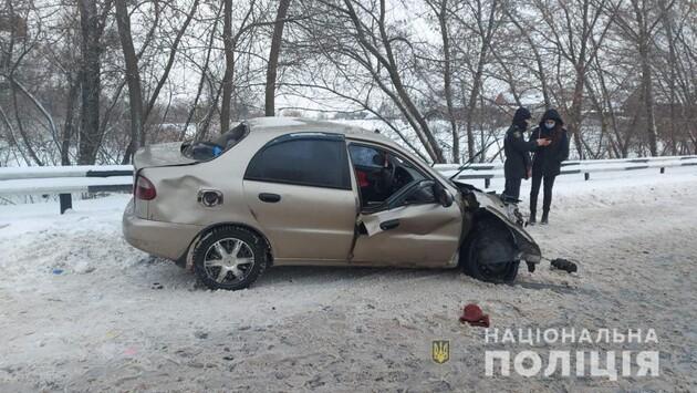 В ДТП с участием тягача на Харьковщине погибли две женщины: фоторепортаж