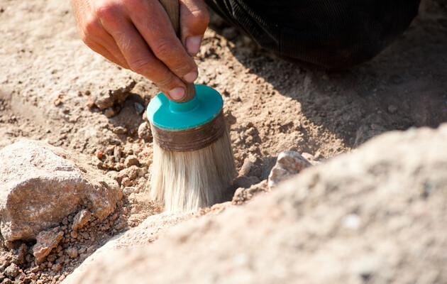 Археологи нашли в Китае бронзовые зеркала возрастом две тысячи лет