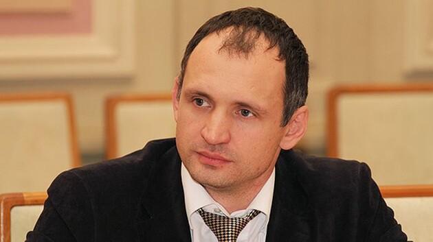 Петицию об отставке Татарова подписали более 25 тысяч человек