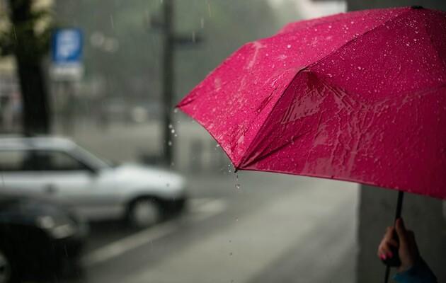 В Украине снова объявили штормовое предупреждение: где именно ожидаются грозы и шквалы