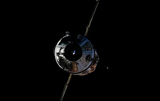 Включение двигателей «Науки» привело к развороту МКС на 540 градусов