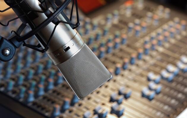Доля украиноязычных песен и программ на радио снизилась в сентябре