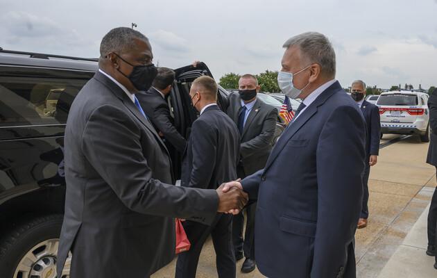 В Украине состоится встреча главы Пентагона с президентом и министром обороны