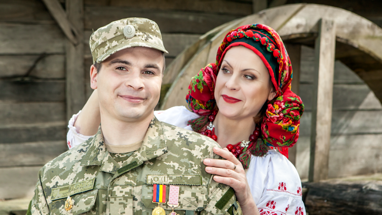 Татьяна Блохина и ее сын Дмитрий Блохин (ранен 3 июня 2015 года под Марьинкой)