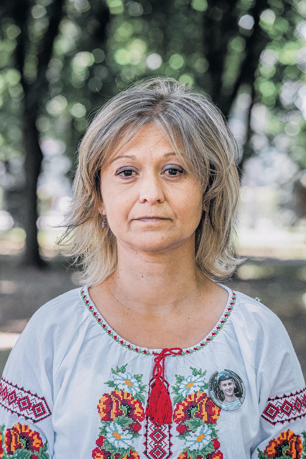 Проект МАМИ: 321 портрет матерів воїнів, які загинули за Україну